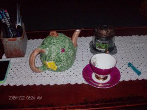 lack of tea cozy 001
