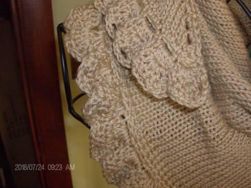 second tan shawlette 002